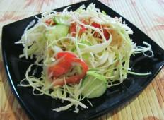 Салат с мясом донера и свежими овощами