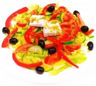 Салат овощной с сыром фетакса
